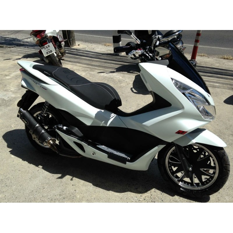 seat kan black matt white stitching honda pcx 125 150 2014. Black Bedroom Furniture Sets. Home Design Ideas