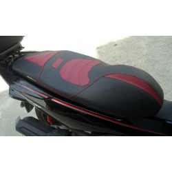 Seat KAN Carbon Black and Burgundy Honda PCX 125/150 v3 (2014-2015-2016-2017)